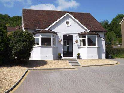 3 Bedrooms Detached House for sale in Woodmancote, Dursley, Gloucestershire