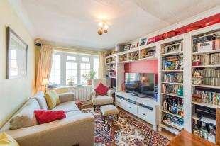 1 Bedroom Flat for sale in Merrals Wood Court, Wells Road, Rochester, Kent
