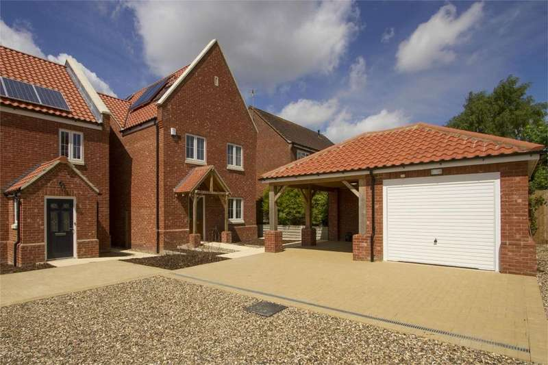 4 Bedrooms Detached House for sale in Bayfield Way, Swaffham, Norfolk