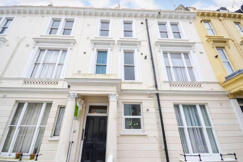2 Bedrooms Flat for sale in West Hill Road, St Leonards On Sea, TN38