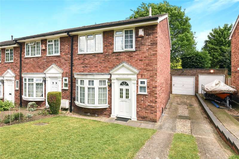 3 Bedrooms End Of Terrace House for sale in Silverbirch Close, Ickenham, Uxbridge, Middlesex, UB10