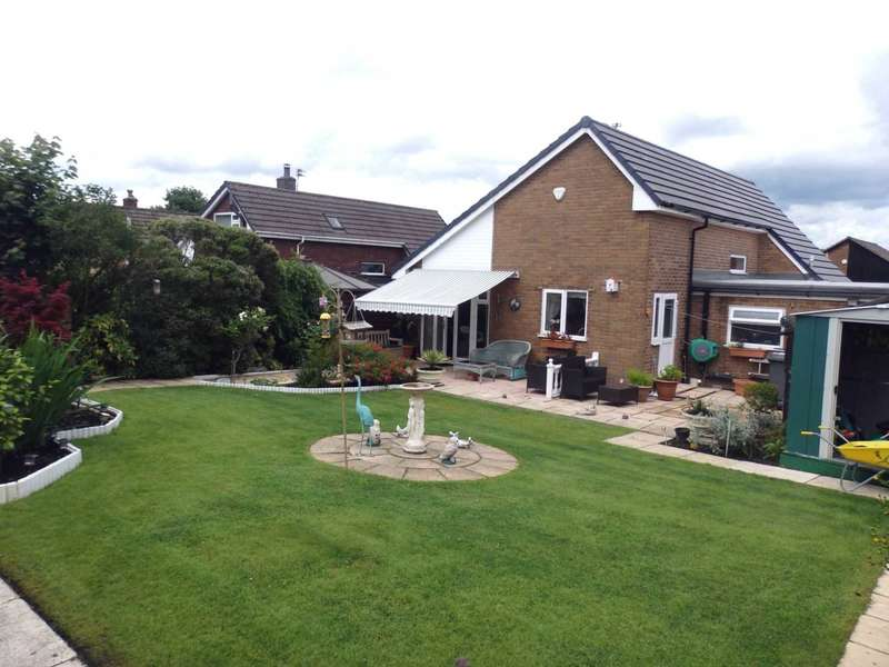 2 Bedrooms Detached Bungalow for sale in Lakelands Drive, Ladybridge