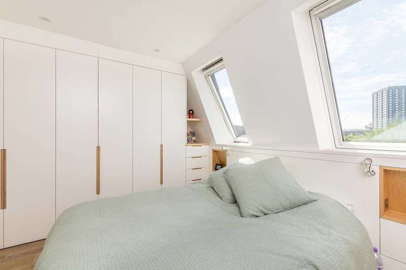 3 Bedrooms Maisonette Flat for sale in St Marks Road, Notting Hill, W11
