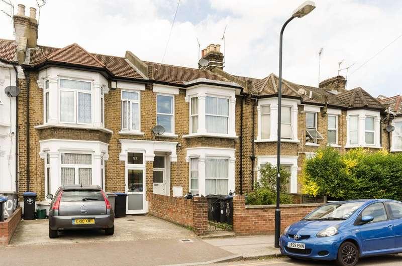 3 Bedrooms Flat for sale in Strode Road, Willesden Green, NW10