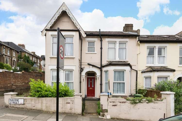 2 Bedrooms Flat for sale in Nadine Street Charlton SE7
