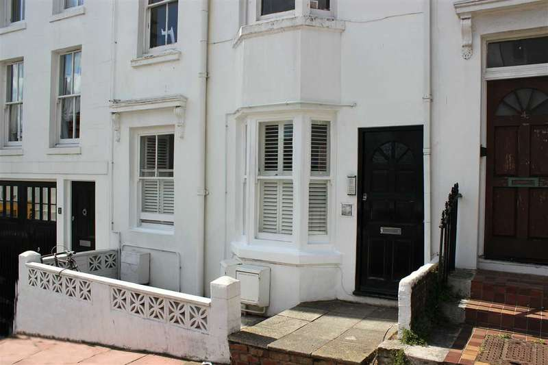 2 Bedrooms Apartment Flat for sale in Clifton Place, Brighton