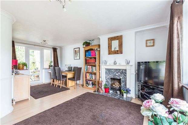 4 Bedrooms Semi Detached House for sale in Wontford Road, PURLEY, Surrey, CR8 4BE
