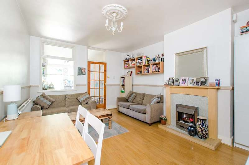 2 Bedrooms Terraced House for sale in Western Road, Mitcham, CR4