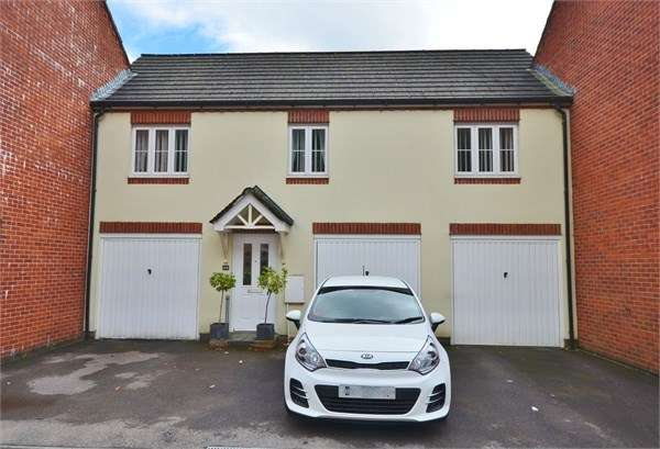 2 Bedrooms Terraced House for sale in Bluebell View, Llanbradach, Caerphilly, CF83