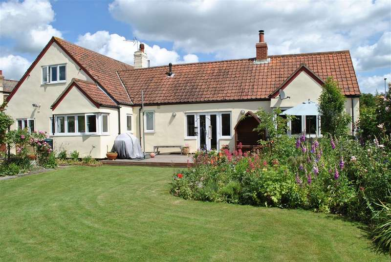 4 Bedrooms Detached House for sale in London Road, Harston