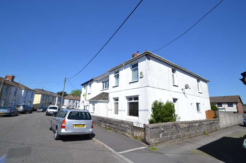 3 Bedrooms End Of Terrace House for sale in Dol-Y-Felin Street, Town Centre, Caerphilly. CF83 3AG