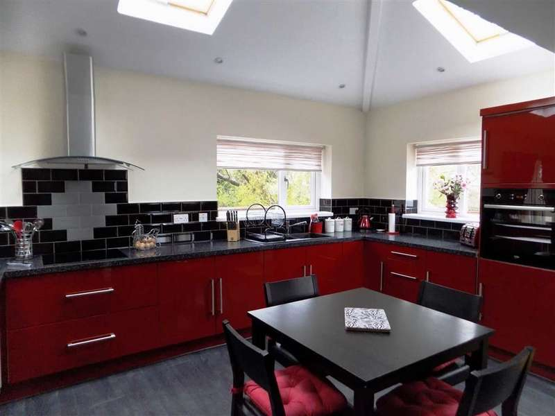 3 Bedrooms Property for sale in Greenwich Close, Clayton Bridge, Manchester