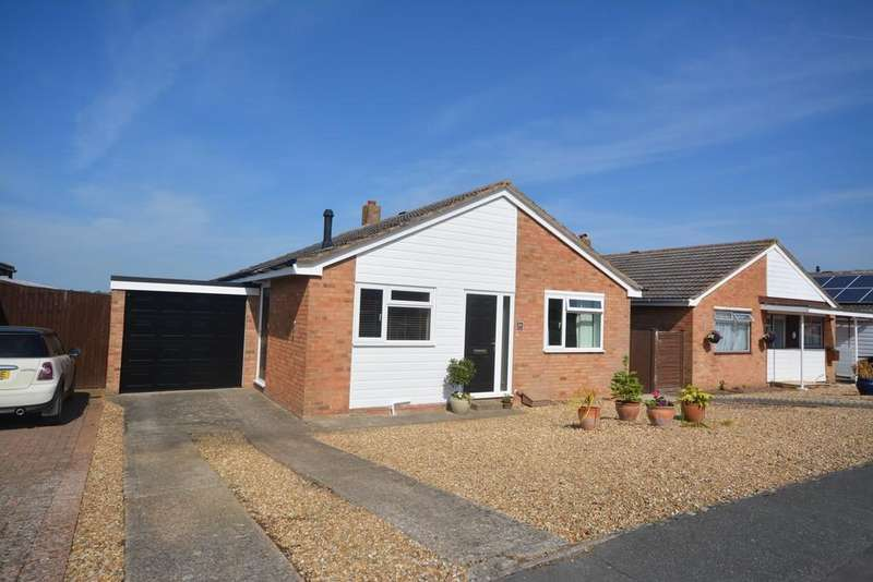 2 Bedrooms Detached Bungalow for sale in Hendy Road, East Cowes