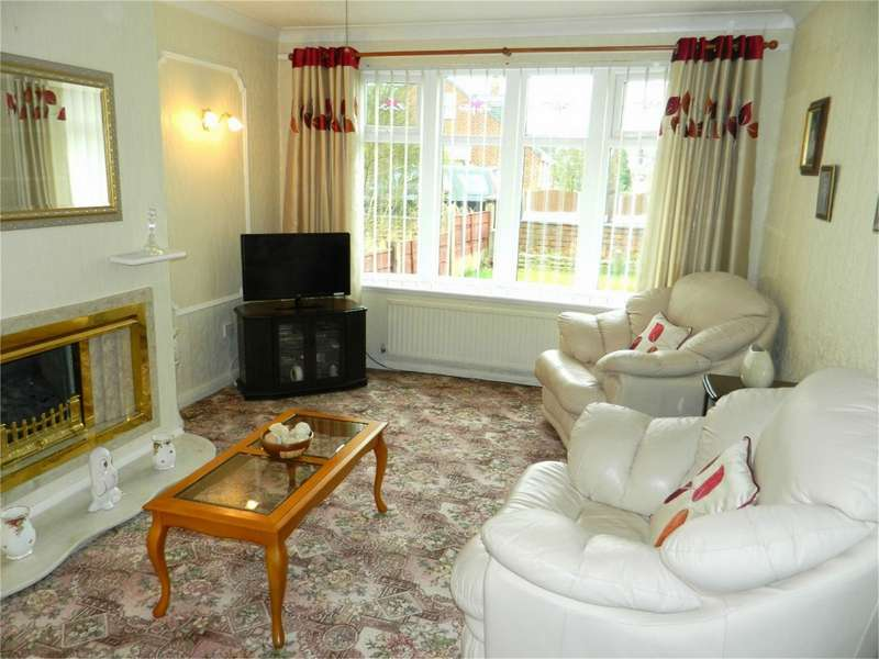 2 Bedrooms Semi Detached Bungalow for sale in Shelley Drive, Abram, Wigan, Lancashire