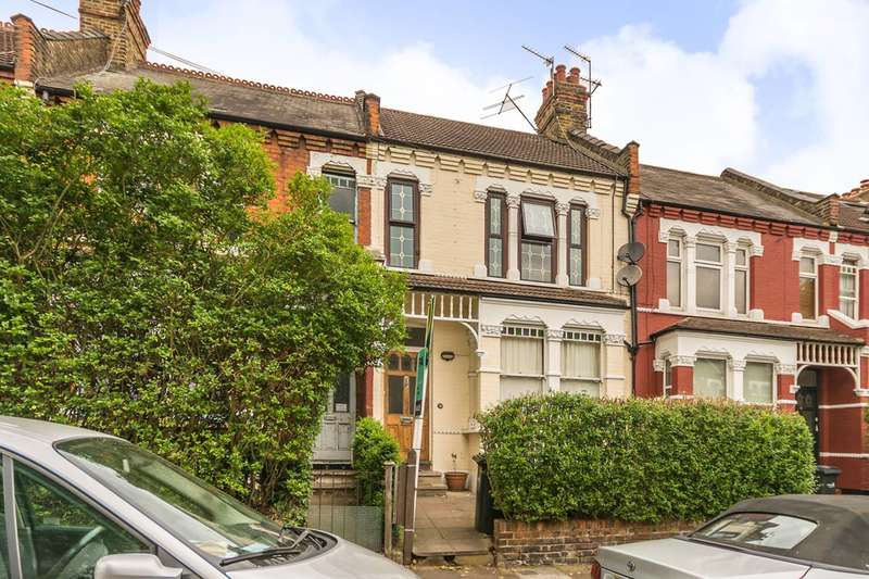 2 Bedrooms Flat for sale in Hardwicke Road, Bowes Park, N13