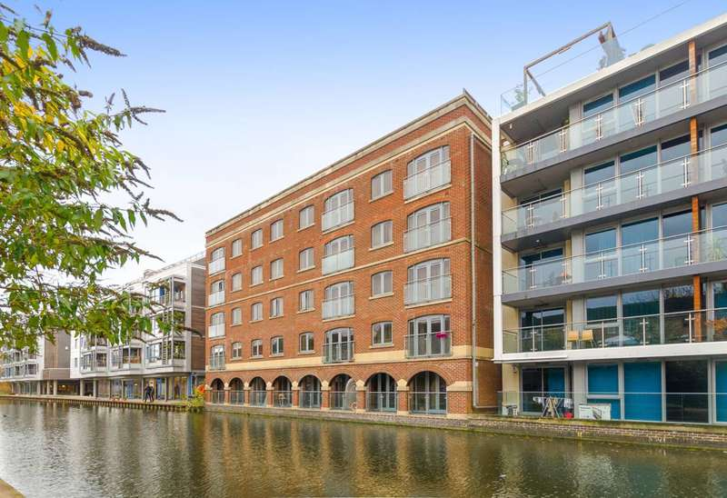 2 Bedrooms Flat for sale in St Pancras Way, Camden Town, NW1