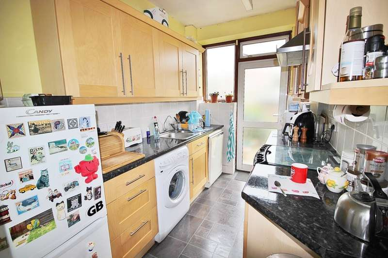 3 Bedrooms Terraced House for sale in Sandhurst Road, London, London, NW9