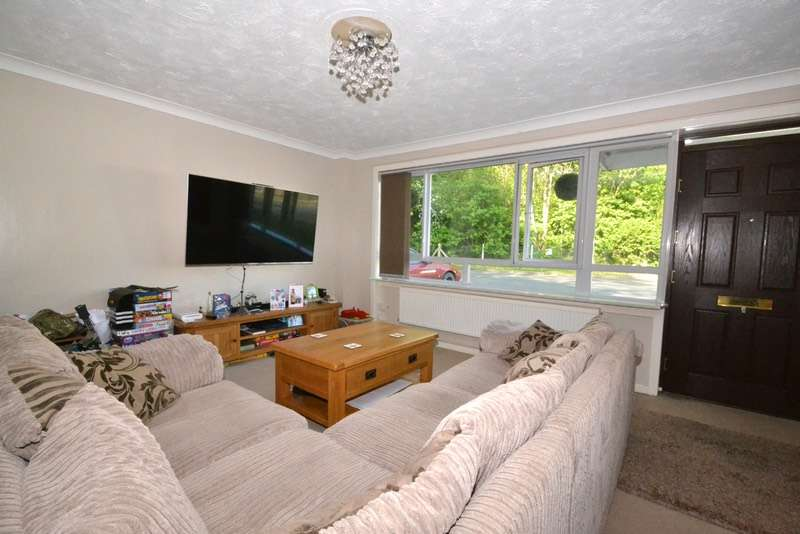 4 Bedrooms Bungalow for sale in Goldsmith Way, Bury St. Edmunds, Suffolk, IP31