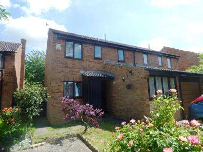 4 Bedrooms Semi Detached House for sale in Edrich Avenue, Oldbrook, Milton Keynes, Buckinghamshire
