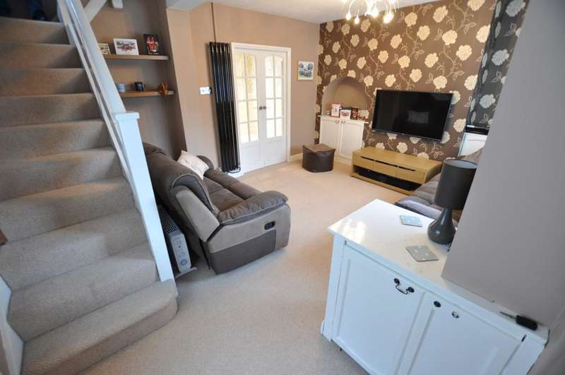 3 Bedrooms Semi Detached House for sale in Hornby Drive, Newton, Preston, Lancashire, PR4 3SU