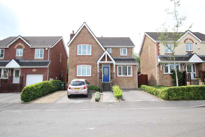 4 Bedrooms Detached House for sale in Burnet Drive, Pontllanfraith, Blackwood NP12