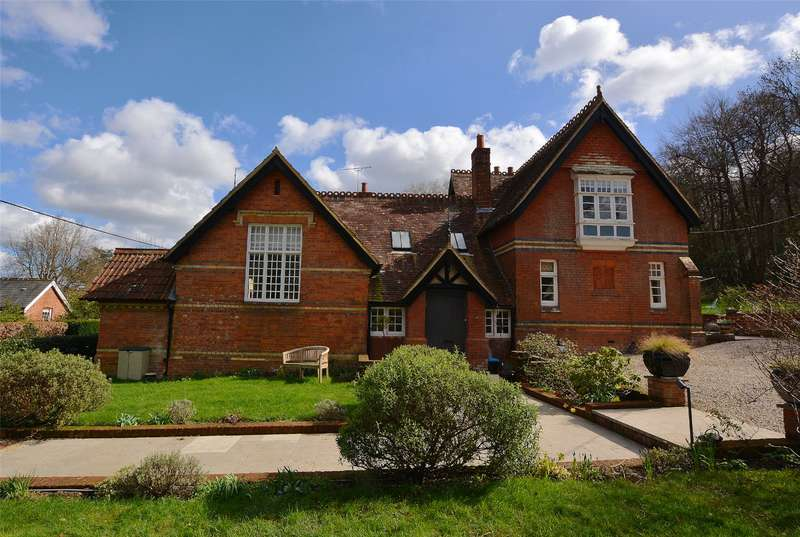 5 Bedrooms Detached House for sale in Emery Down, Lyndhurst, Hampshire, SO43