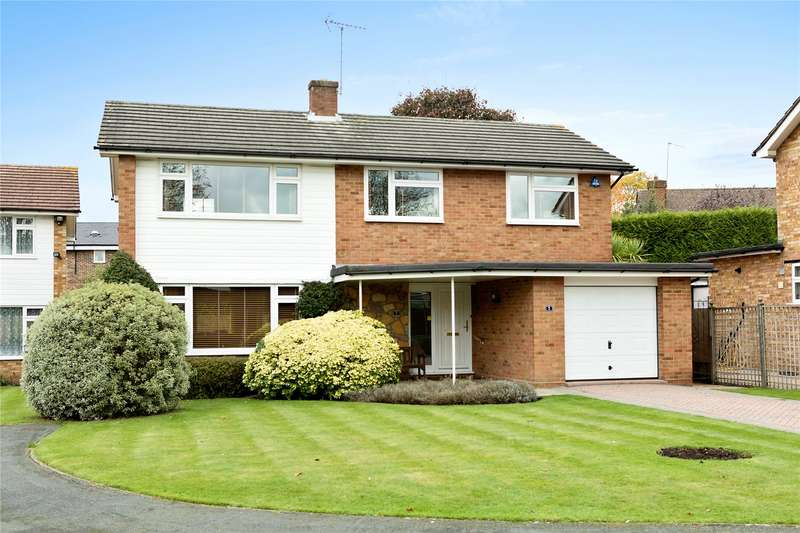 4 Bedrooms Detached House for sale in Westdene Way, Weybridge, Surrey, KT13