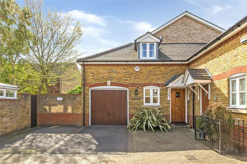 3 Bedrooms Semi Detached House for sale in Hamilton Mews, London, SW18