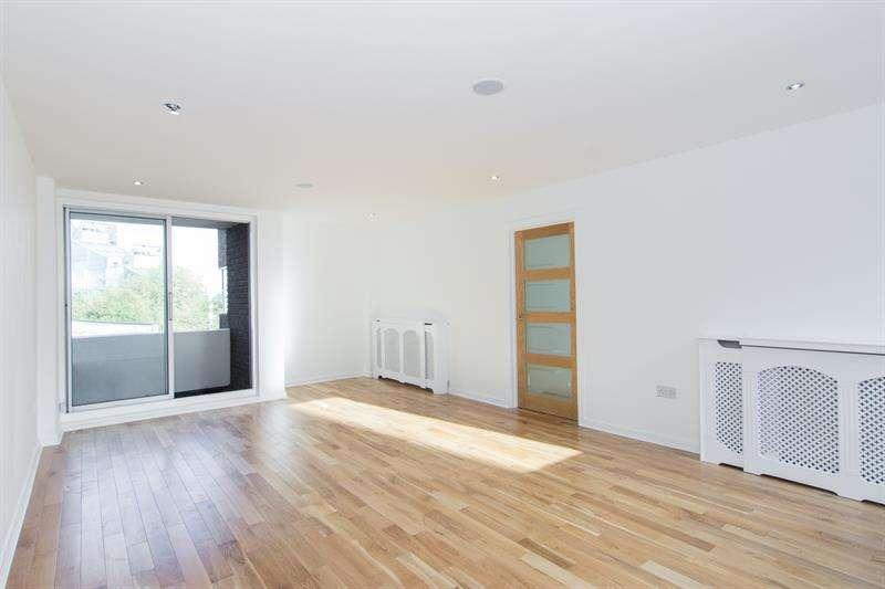 1 Bedroom Flat for sale in Valiant House, Vicarage Crescent, Battersea, London, SW11