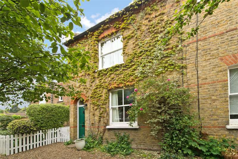 3 Bedrooms End Of Terrace House for sale in Crooked Billet, Wimbledon Common, London, SW19