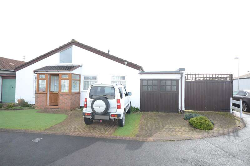 3 Bedrooms Semi Detached Bungalow for sale in Curlender Way, Hale Village, Liverpool, L24
