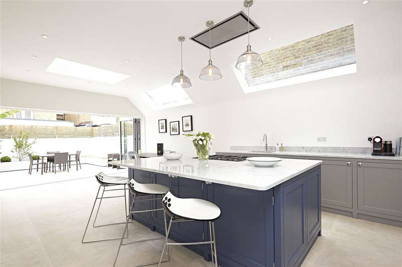 4 Bedrooms Terraced House for sale in Peterborough Road, Parsons Green, Fulham, London, SW6
