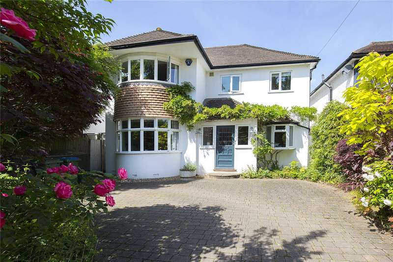 4 Bedrooms Detached House for sale in Parkwood Avenue, Esher, Surrey, KT10