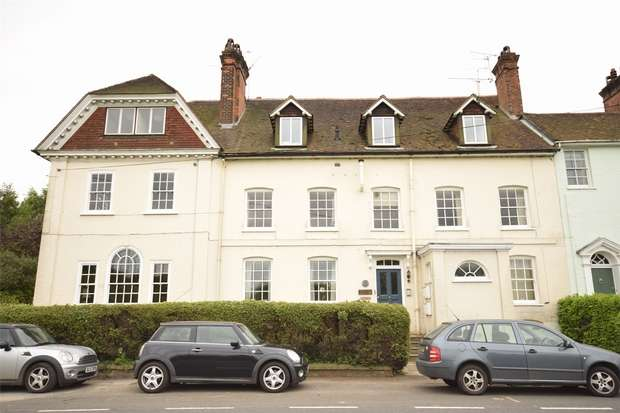3 Bedrooms Maisonette Flat for sale in 2 Bishops Court, Main Road, Sundridge, Sevenoaks, Kent