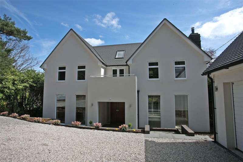 5 Bedrooms Detached House for sale in Beech Avenue, Lower Bourne, Farnham, Surrey, GU10