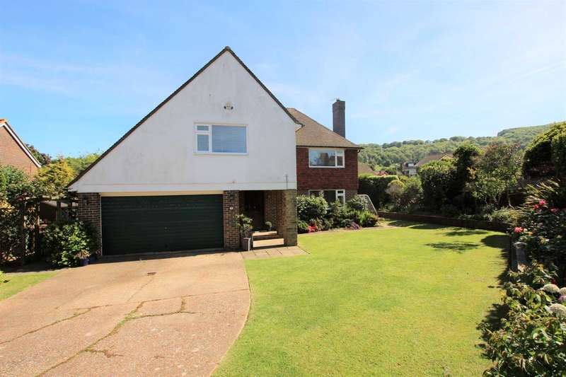 4 Bedrooms Detached House for sale in Old Camp Road, Eastbourne, BN20 8DH