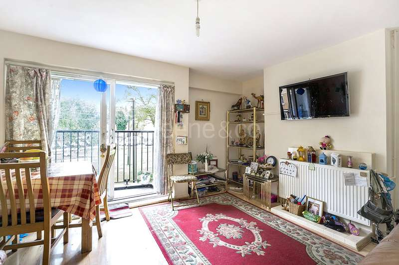 2 Bedrooms Maisonette Flat for sale in Gorefield House, Canterbury Road, Kilburn Park, London, NW6