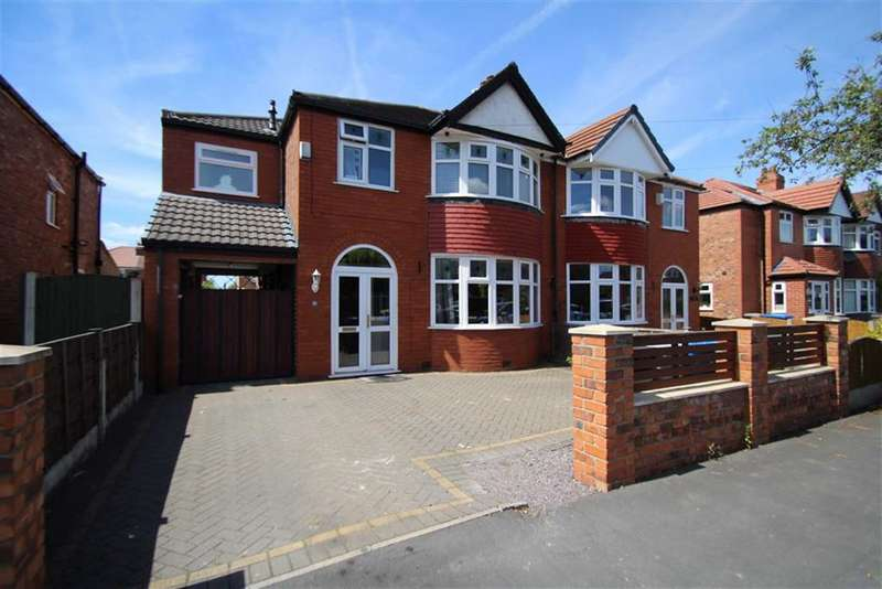 4 Bedrooms Property for sale in Oakleigh Avenue, Timperley, Altrincham