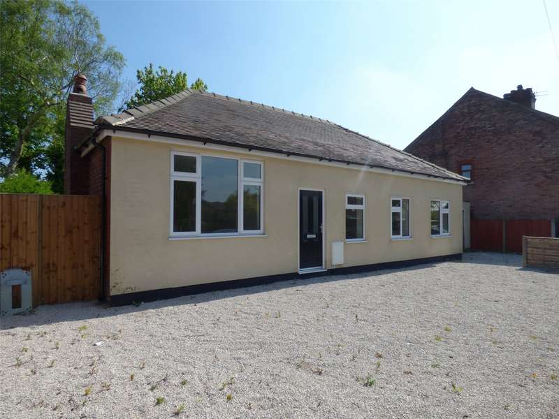 3 Bedrooms Detached Bungalow for sale in Moston Lane, Moston, Manchester, M40