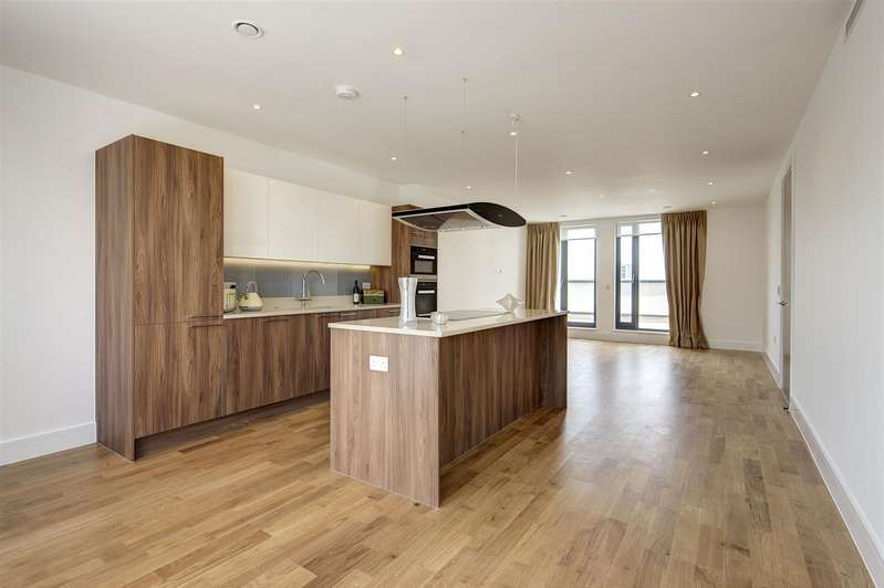 3 Bedrooms Apartment Flat for rent in Fairmont Mews, Childs Hill, London, NW2