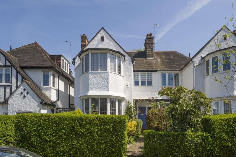 5 Bedrooms House for sale in Park Drive, Golders Hill Park, NW11