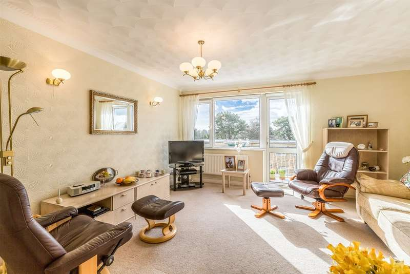 3 Bedrooms Apartment Flat for sale in Beach Road, Penarth