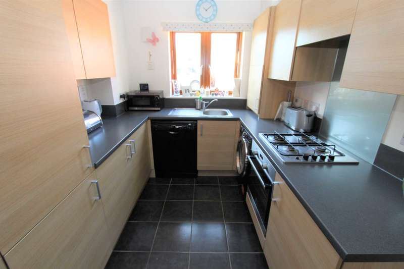 3 Bedrooms End Of Terrace House for sale in Raleigh Close, Gravesend