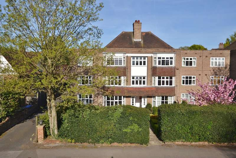 3 Bedrooms Apartment Flat for sale in Esher