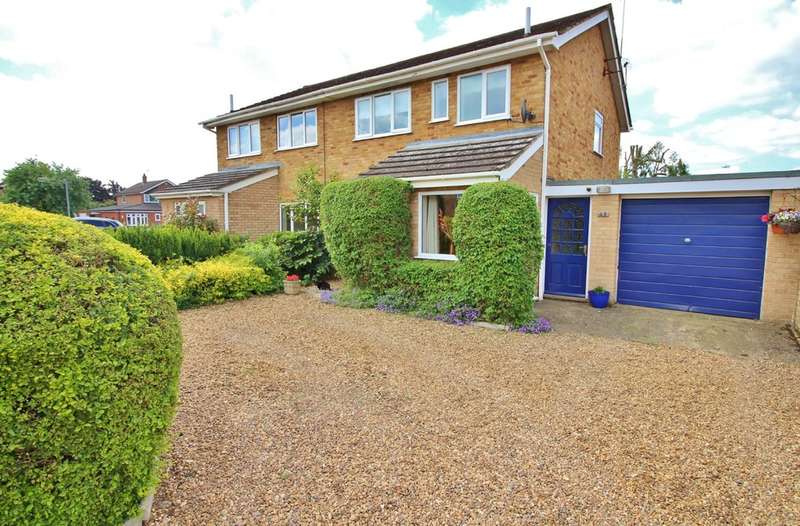 3 Bedrooms Semi Detached House for sale in Angela Road, Norwich