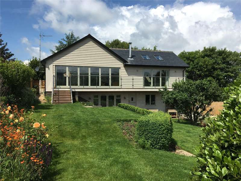 4 Bedrooms Detached House for sale in Shoreham Road, Upper Beeding, Steyning, West Sussex, BN44