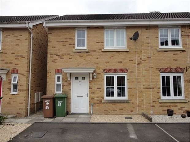 3 Bedrooms Semi Detached House for sale in Coed Celynen Drive, Abercarn, NEWPORT
