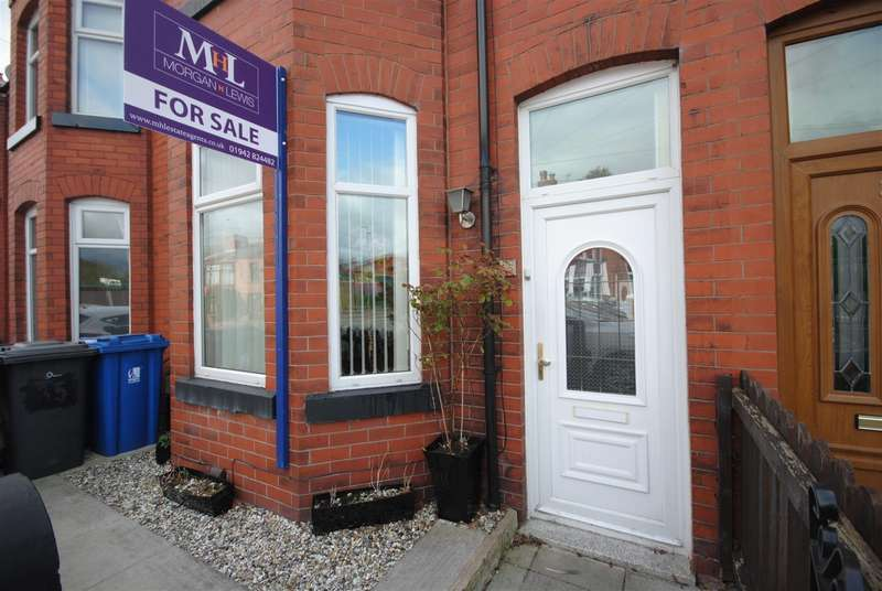 3 Bedrooms Terraced House for sale in Netherby Road, Springfield, Wigan.