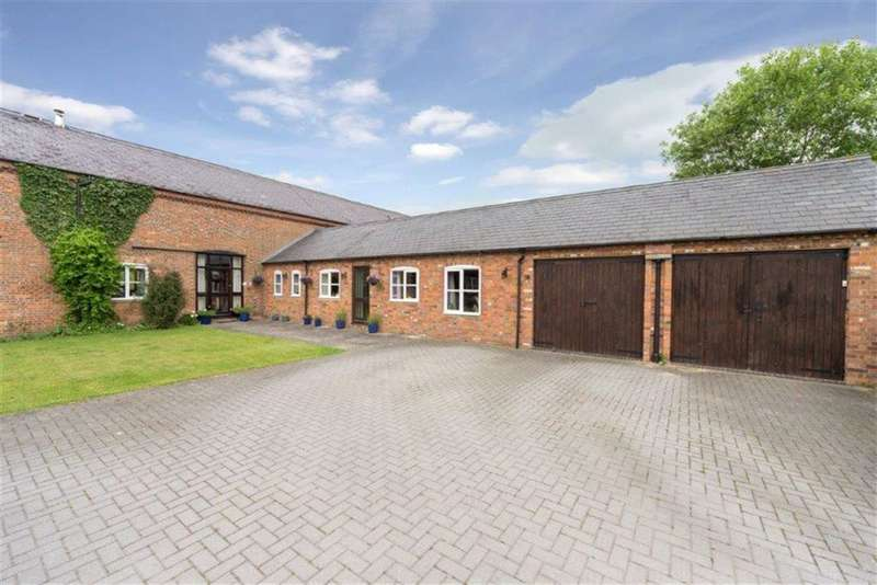 4 Bedrooms Barn Conversion Character Property for sale in Bidwell Farm Barns, Bedford Road, Bidwell
