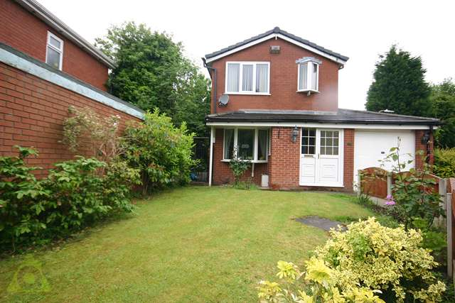 3 Bedrooms Detached House for sale in Pewfist Green, Westhoughton, BL5